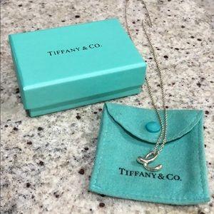 Tiffany & co. Elsa Peretti Letter e Pendant